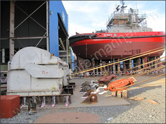 Winch installation for ship launching and docking